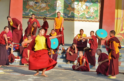 monk-dance-during-yoga-teacher-training-Nepal